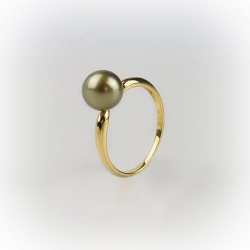 18K yellow gold ring...