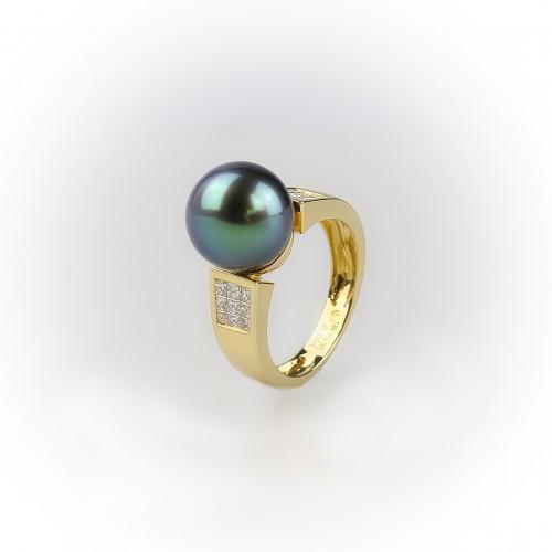 18K yellow gold «Mel» ring...