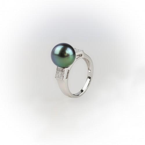18K White Gold Ring, 0.40ct...