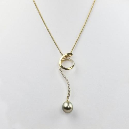 Yellow gold pendant...